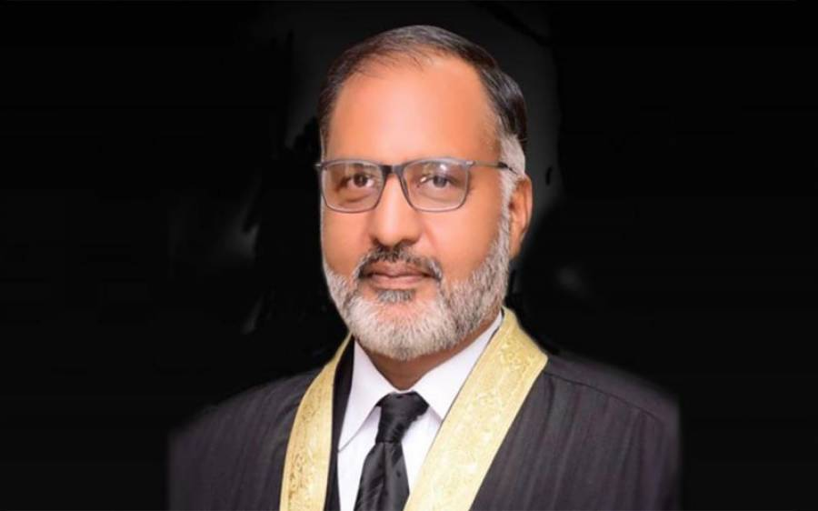 جسٹس شوکت عزیز صدیقی کے خلاف از خود نوٹس لینے کیلئے سپریم کورٹ میں درخواست دائر