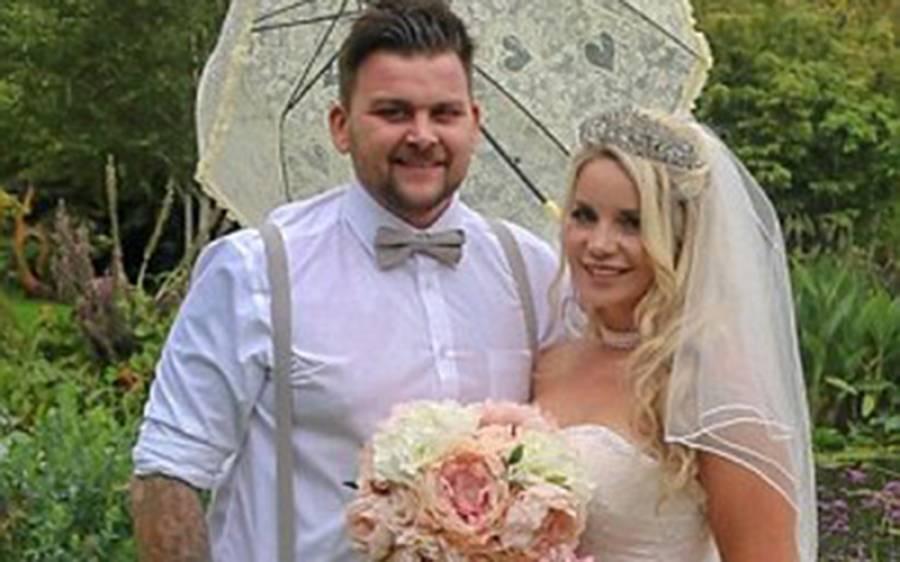 2 سال کی کوشش کے بعد لڑکا لڑکی شادی کرنے میں کامیاب، اس سے پہلے 3 مرتبہ تاریخ رکھی لیکن ہر دفعہ دلہن کے ساتھ کیا ہوتا تھا؟ جان کر آپ کو یقین نہیں آئے گا
