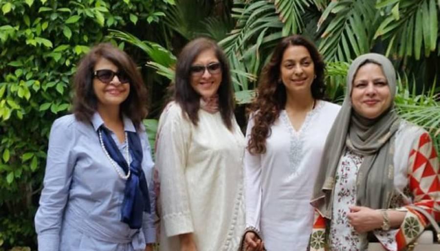 بھارتی اداکارہ جوہی چاولا مختصر دورہ پاکستان کے بعد روانہ