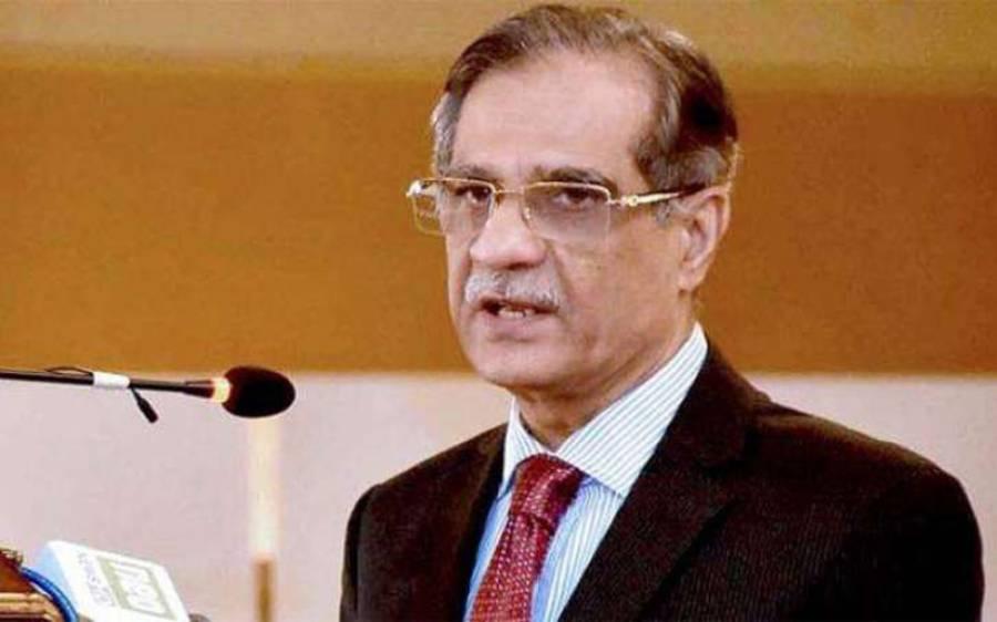 وکلاکی جعلی ڈگریوں سے متعلق کیس کی سماعت میں چیف جسٹس کی پاکستان بارکونسل کو جعلی ڈگری والوں کےخلاف ایکشن لینے کی ہدایت