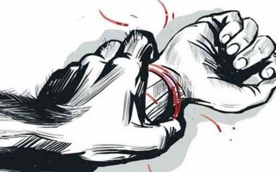 سوتیلے باپ کی ساتھیوں کیساتھ 2 بیٹیوں سے کئی روز تک اجتماعی زیادتی