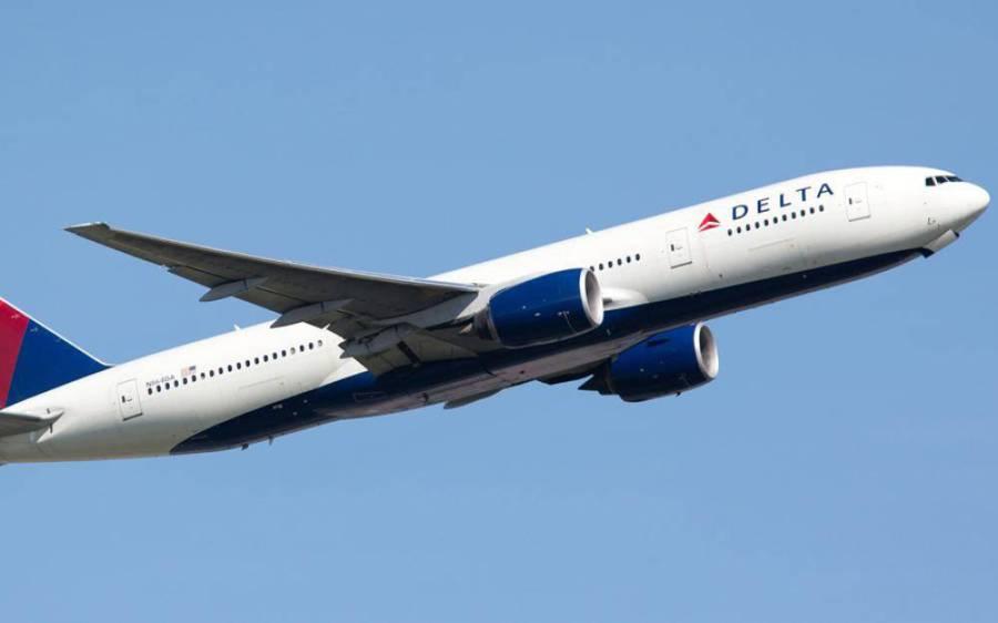 ہوائی جہاز کا ٹوائلٹ، فحش اداکار اور جہاز کا عملہ۔۔۔ ایسی شرمناک ویڈیو سامنے آگئی کہ ہنگامہ برپاہوگیا