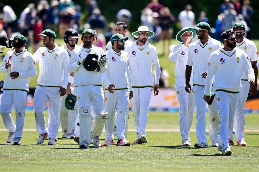 نیوزی لینڈ کے ہاتھوں شکست کے بعد قومی ٹیم کو زوردار جھٹکا لگ گیا، پاکستانی غصے سے آگ بگولہ ہو گئے