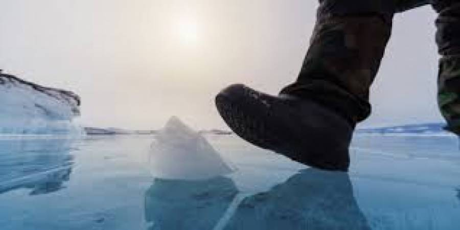 خواب میں برف پر بیٹھنے اور برف سے کھیلنے کی انتہائی اہم تعبیر جو سوچ کا انداز ہی بدل ڈالے گی