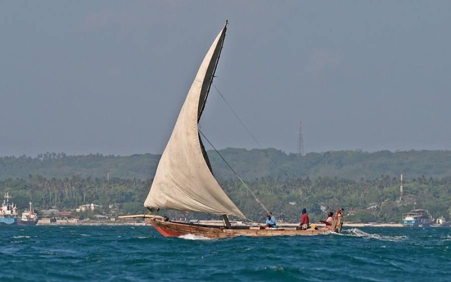 طوفانی لہروں کے باعث مصری ماہی گیروں کی کشتی غزہ کے ساحل سے جا ٹکرائی، ایک ماہی گیر لاپتا، 6 کو بچالیا گیا