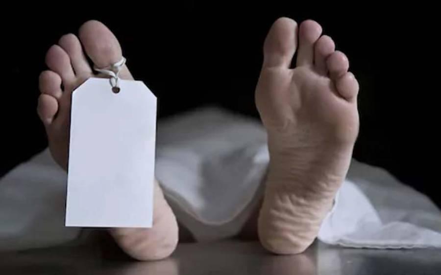 حیدرآباد کے نواحی علاقے میں گھر سے دو روز پرانی سات لاشیں برآمد