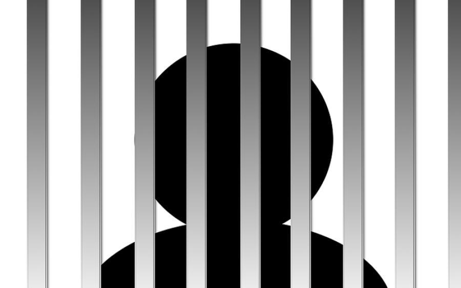 پولیس کاقحبہ خانے پرچھاپہ،6لڑکیوں سمیت 13افراد رنگے ہاتھوں گرفتار