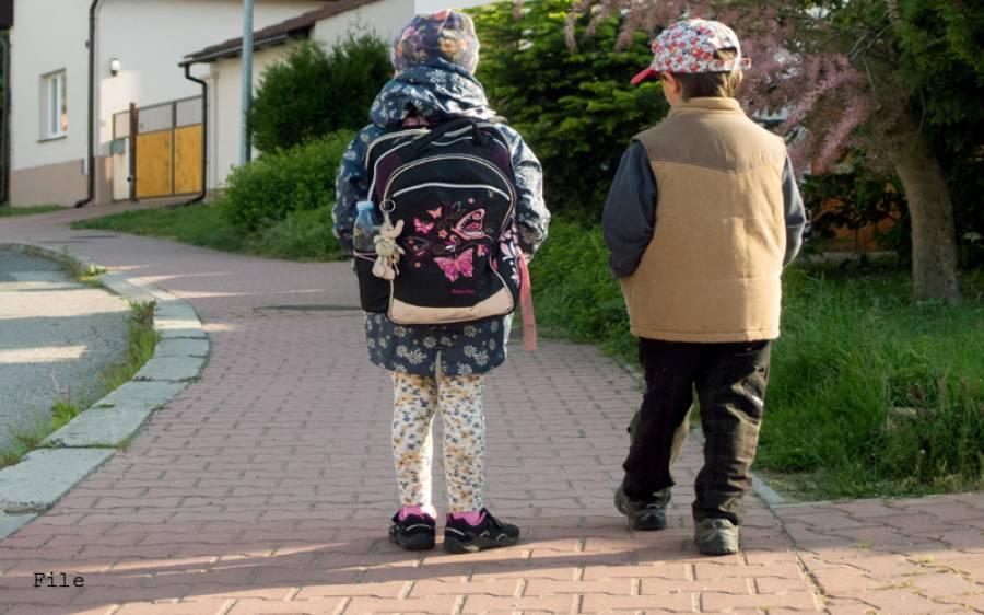 سکول بس کے کنڈکٹر کی 4 سالہ بچی سے زیادتی ، انتہائی شرمناک خبر آگئی