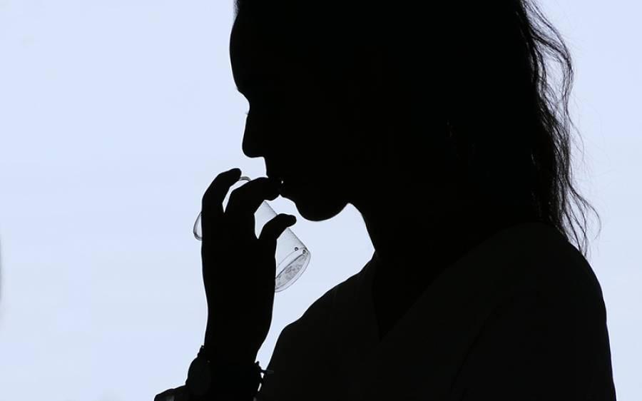لاڑکانہ میں ایڈز کے کیسز، آدمی کو اپنی بیوی کے متاثرہ ہونے کا پتہ چلا تو بے وفائی کا الزام لگا کر قتل کردیا