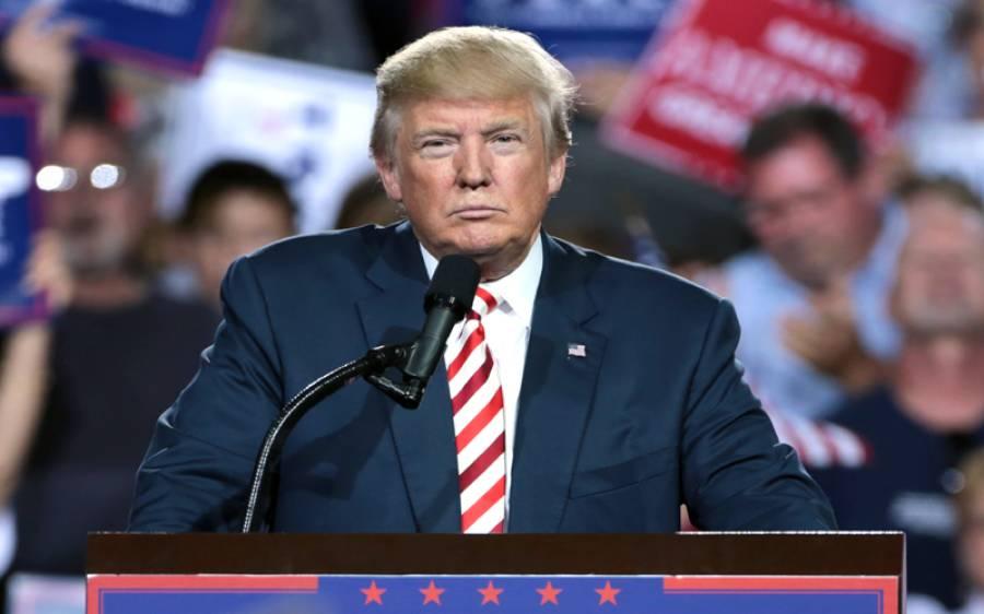 امریکی صدر ڈونلڈ ٹرمپ نے چاند کو ایسے سیارے کا حصہ قرار دے دیا کہ دنیا بھر میں ہنسی کا طوفان آگیا