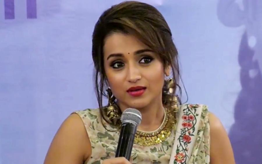 بالی ووڈ کی ایک اور بڑی اداکارہ مقبوضہ کشمیر کی صورتحال پر برس پڑیں