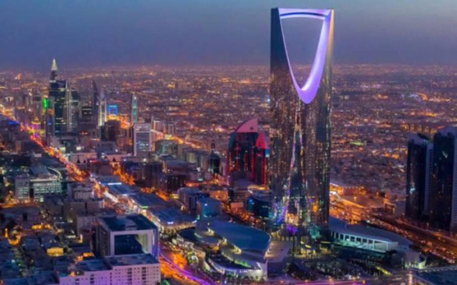 سعودی عرب میں خواتین کے پہلے ریسلنگ میچ کی تصاویر سامنے آگئیں