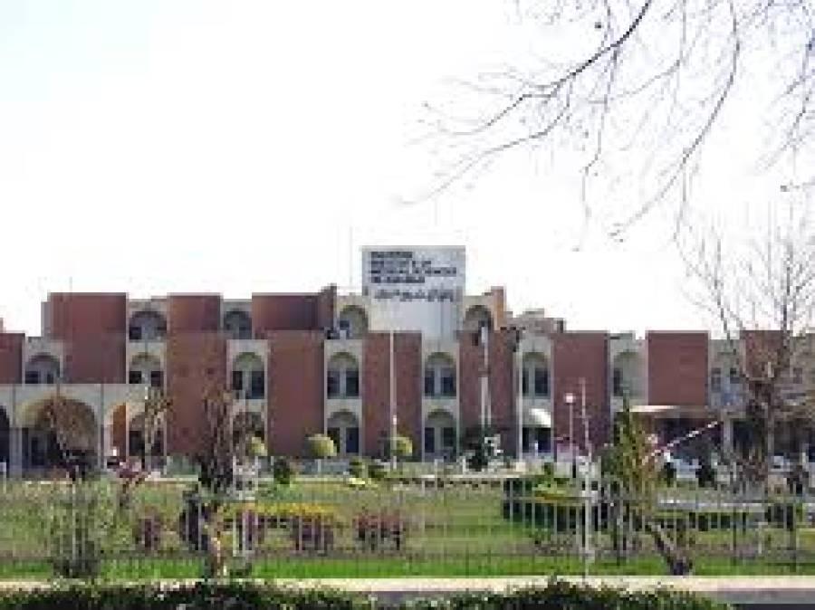 ظفرمرزا کا پمز ہسپتال میں آئیسولیشن سینٹر کا دورہ