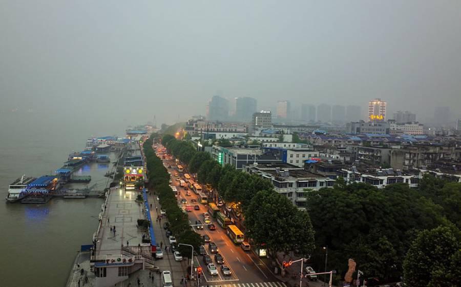 چین کا شہر ووہان جہاں سے کورونا وائرس پھیلنا شروع ہوا، اب وہاں ہنگامے پھوٹ پڑے