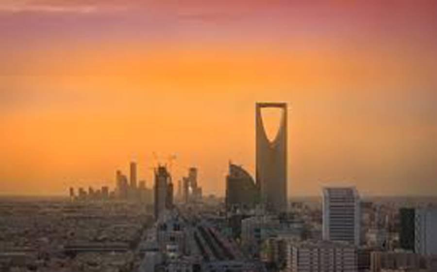 سعودی عرب میں کورونا کرفیو کی خلاف ورزی کرنیوالا شخص گرفتار