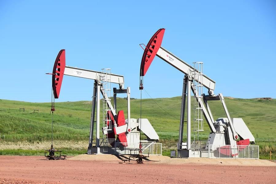 تیل پیداکرنے والے ممالک کاایسا فیصلہ کہ عالمی منڈی میں قیمتیں بڑھ گئی
