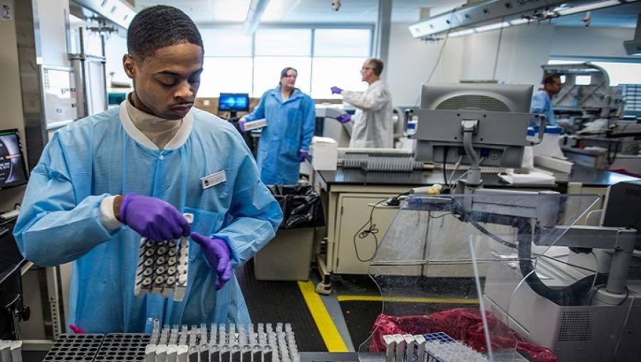 پاکستان میں کورونا وائرس پر قابو پانے میں کتنا عرصہ لگے گا؟ مصنوعی ذہانت کی مددسے تیارکردہ تحقیق جاری