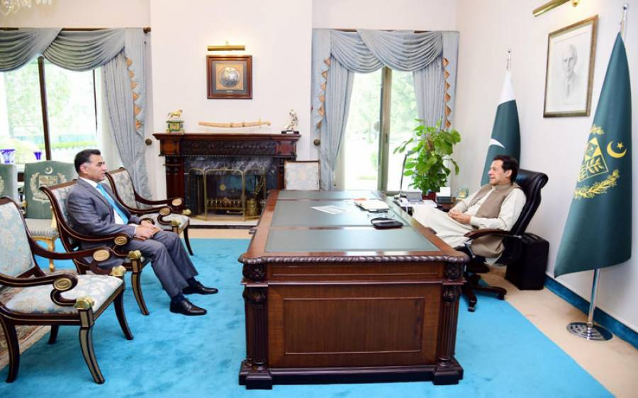 ڈی جی آئی ایس آئی وزیر اعظم سے ملنے پہنچ گئے، کیا باتیں ہوئیں؟