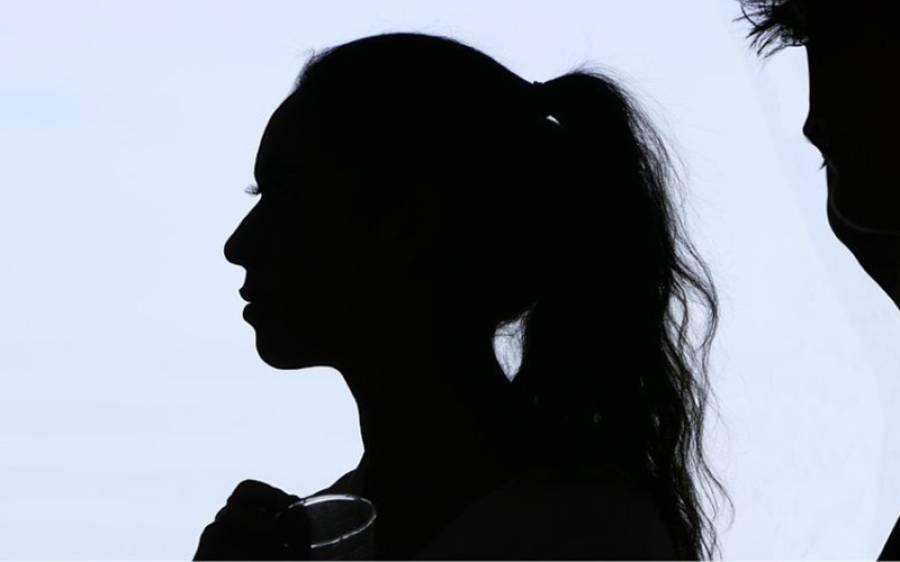 'کورونا وائرس کی وجہ سے آمدنی بڑھ گئی ہے' جسم فروش لڑکی کا ٹی وی انٹرویو میں حیران کن انکشاف