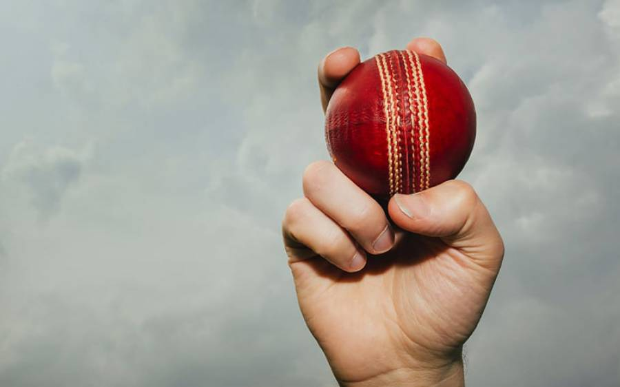 آئی سی سی کرکٹ کمیٹی نے تھوک سے گیند چمکانے پر پابندی کی سفارش کردی
