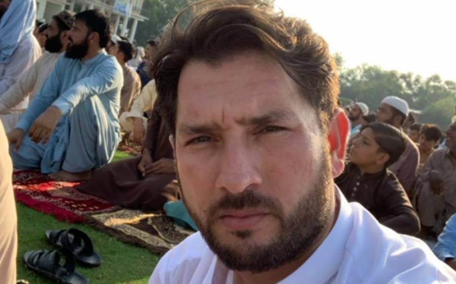 پاکستانی کرکٹر یاسر شاہ کے گھر خوشیوں کا سماں، مبارکباد دینے والوں کا تانتا بندھ گیا