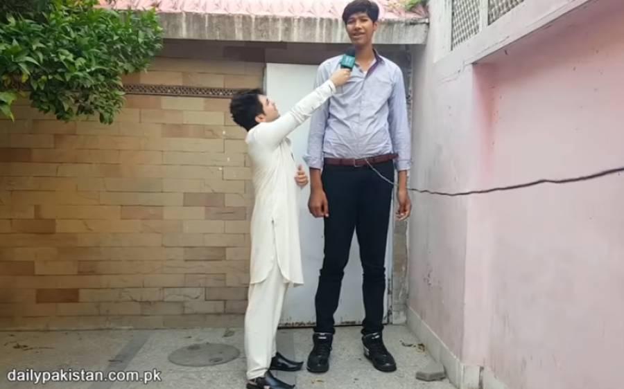 ساڑھے 7 فٹ کا پاکستانی عید کیسے مناتا ہے؟ کپڑے کہاں سے آتے ہیں؟ انتہائی دلچسپ ویڈیو دیکھئے