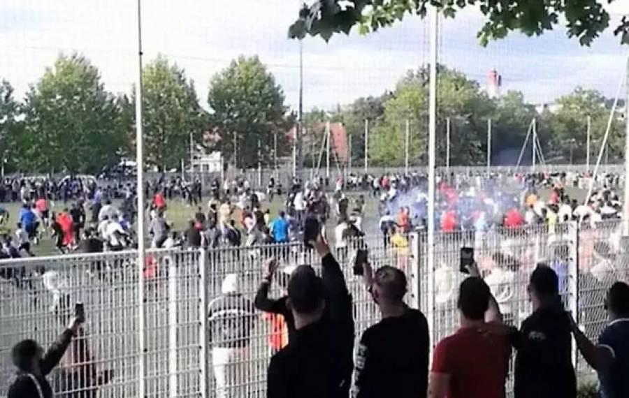 وہ ملک جہاں پابندی کے باوجود فٹ بال میچ کھیلنے پر انتظامیہ کی دوڑیں لگ گئیں، شائقین کو منتشر کرنے کیلئے کیا کام کیا گیا؟ تشویشناک خبر آ گئی