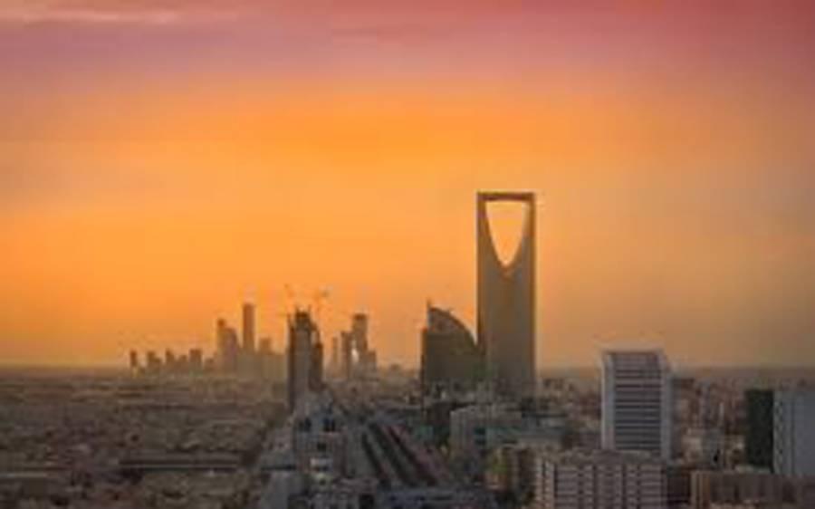 سعودی عرب میں مقیم ویزہ رکھنے والے غیرملکی افراد کے لئے بڑی خبر آگئی