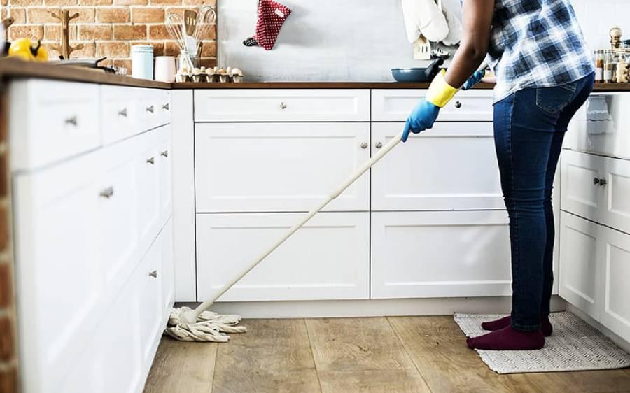 لاک ڈاﺅن میں نرمی لیکن کورونا وائرس کے کیسز میں اضافہ، ان حالات میں آپ اپنے گھر کو کیسے صاف رکھ سکتے ہیں؟ جانئے
