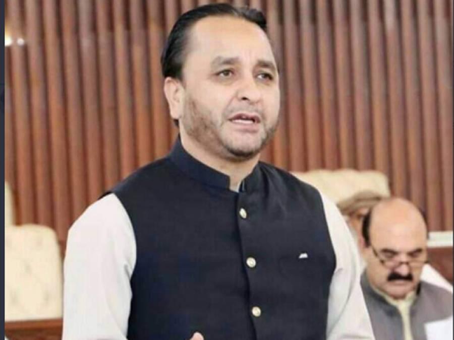 سندھ کے بعد گلگت بلتستان نے بھی وفاقی حکومت کی پالیسیوں کو آڑے ہاتھوں لے لیا،ایسی خطرناک تشبیہ دے دی کہ کپتان کے کھلاڑی تڑپ اٹھیں گے