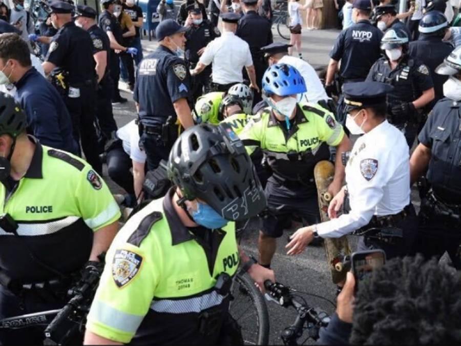 امریکہ میں صورتحال کشیدہ ،کرفیو شروع ہونے سے قبل نیویارک میں 200 سے زائد افراد گرفتار