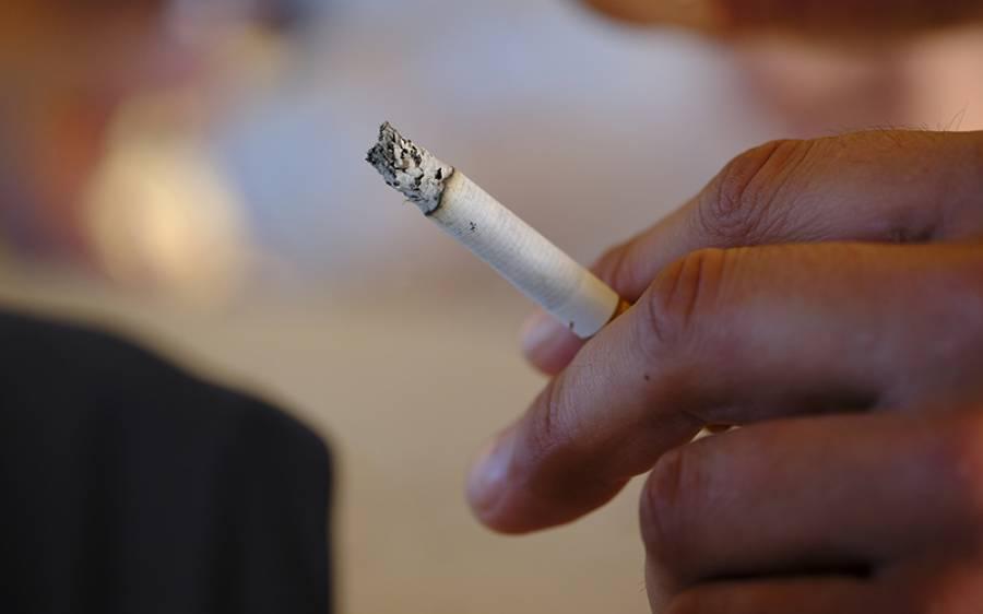 کیا سگریٹ پینے والوں کو کورونا وائرس ہونے کا کم خطرہ ہوتا ہے؟ اسرائیلی سائنسدانوں نے انتہائی حیران کن دعویٰ کردیا