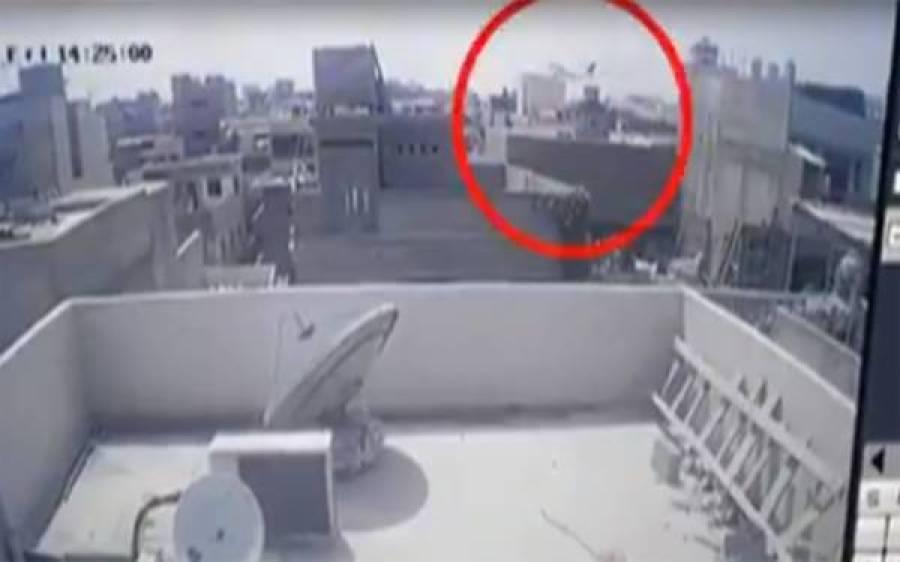 کراچی حادثہ، بدقسمت طیارے کا لینڈنگ گیر اور انجن متاثرہ عمارت سے اتارنا امتحان بن گیا