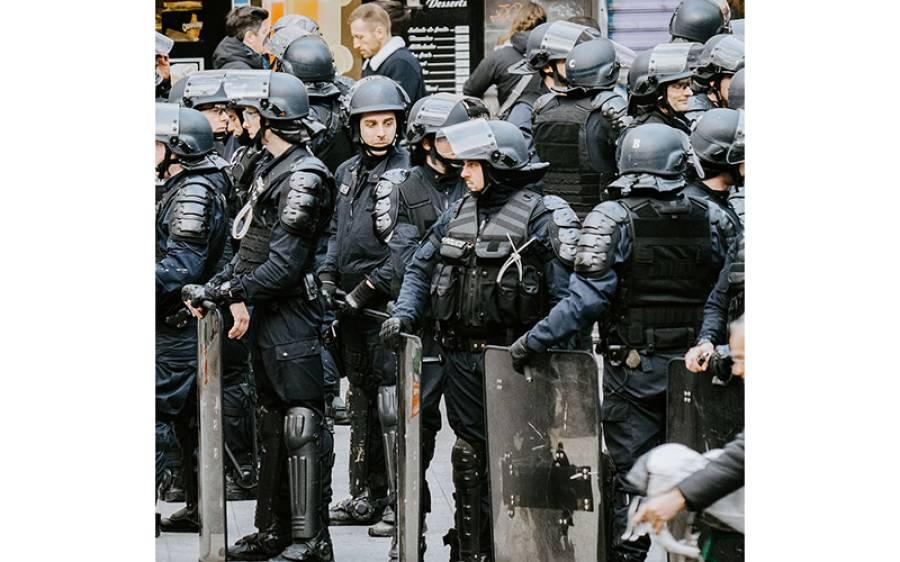 پولیس کے ہاتھوں سیاہ فام شہری کا قتل، امریکی شہر نے پولیس فورس ہی ختم کرنے کا فیصلہ کرلیا، پولیس والوں کا کام کون کرے گا؟ انتہائی حیران کن فیصلہ