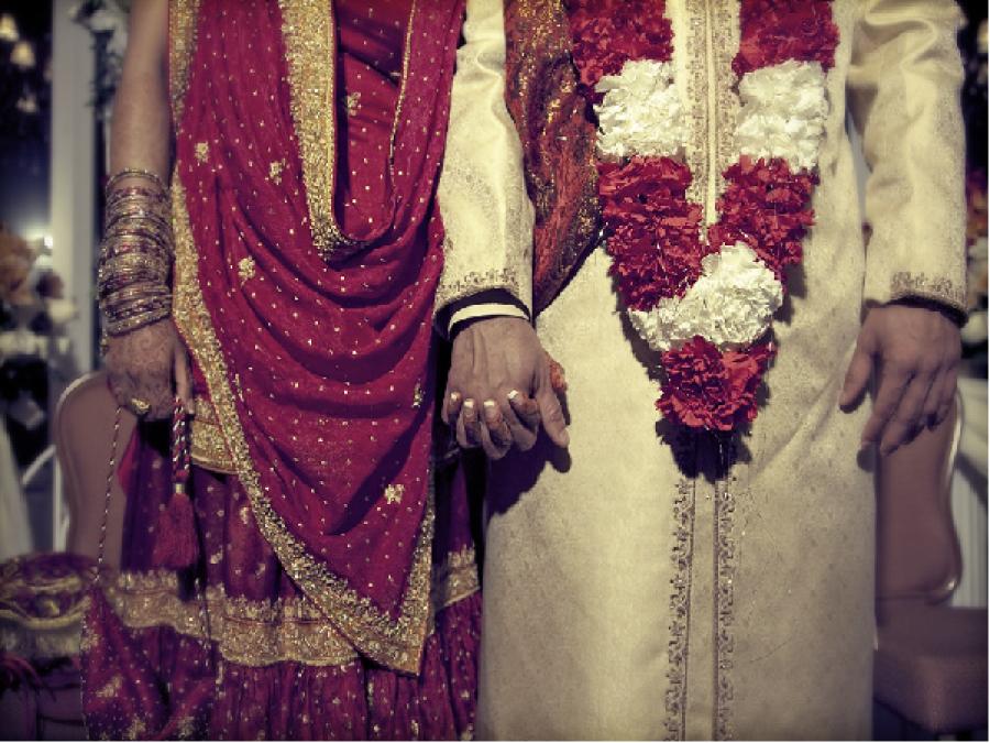 پابندی کے باوجود شادی،کورونا ایس او پیز کی دھجیاں اڑانے والوں میں حکومتی و اپوزیشن جماعت کے اراکین اسمبلی بھی شامل