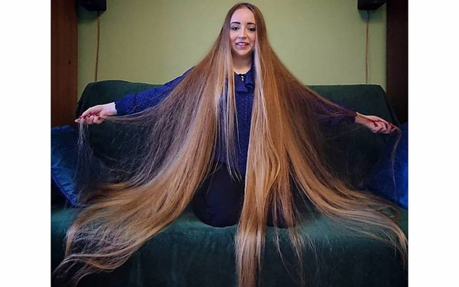 وہ لڑکی جس کے بال دیکھ کر مرد اس کی محبت میں مبتلا ہوجاتے ہیں