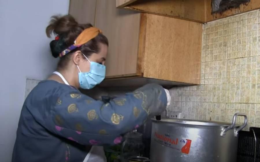 کرونا کے شکار ہونے والے مریضوں کو روزانہ اپنے ہاتھوں سے کھانا بنا کر مفت میں کھلانے والی فرشتہ صفت خاتون