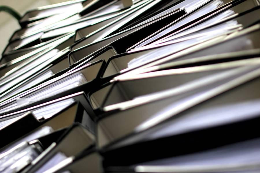 بیوروکریسی کی کرسیوں کے حصول کی کوشش میں گورننس متاثر، حکام پریشان، خفیہ ایجنسی نے بھی صورتحال رپورٹ کردی