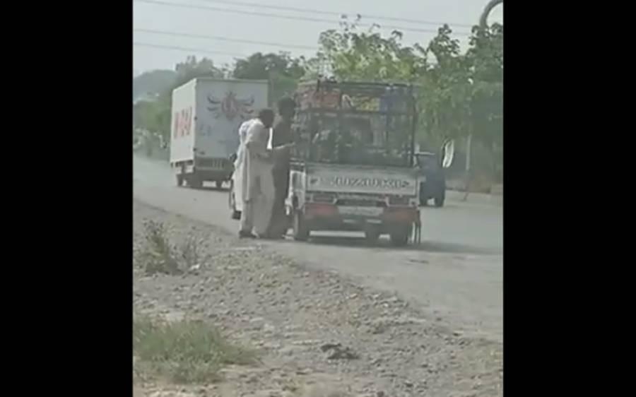 اسلام آباد میں ٹریفک پولیس اہلکاروں کی سرعام رشوت کی ویڈیوسامنے آگئی