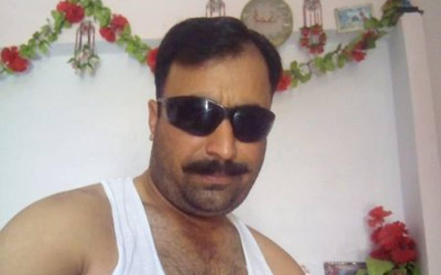 معروف ترین اداکاراﺅں کی تصاویر میں اپنا اضافہ کرنے والا پاکستانی پولیس والا ، اس کی تصاویر دیکھ کر ہنسی نہ رُکے