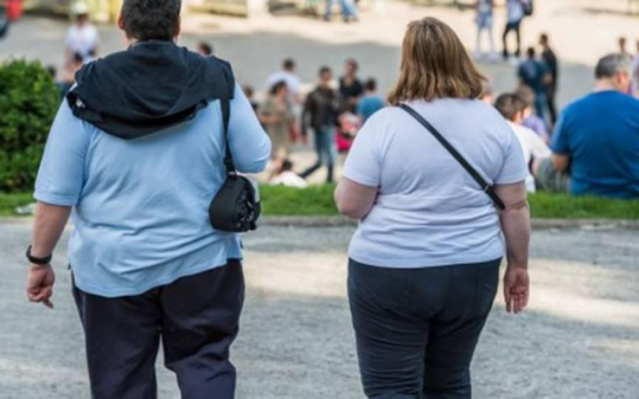 موٹے لوگ کورونا وائرس کا شکار ہوجائیں تو موت کا خطرہ کتنا زیادہ ہوتا ہے؟ تازہ تحقیق میں سائنسدانوں نے پریشان کن انکشاف کردیا