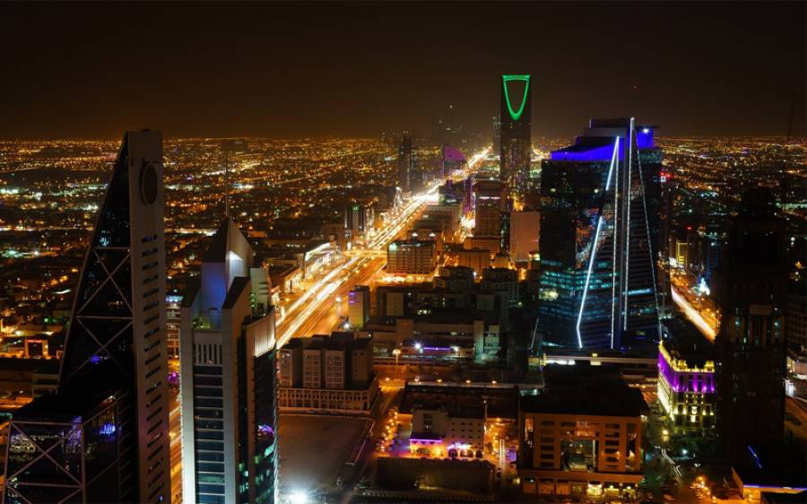 سعودی عرب کے محکمہ موسمیات نے اتنی زیادہ گرمی پڑنے کی پیشگوئی کر دی گئی کہ سن کر آپ کو پسینے آ جائیں گے