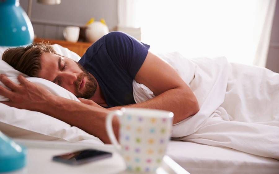 کیا زیادہ پیسے کمانے والے زیادہ سوتے ہیں؟ تازہ تحقیق میں حیران کن جواب سامنے آگیا