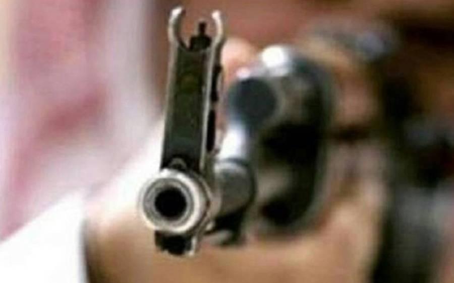 کراچی میں نامعلوم افراد کی فائرنگ سے سب انسپکٹر جاں بحق، ملزمان فرار
