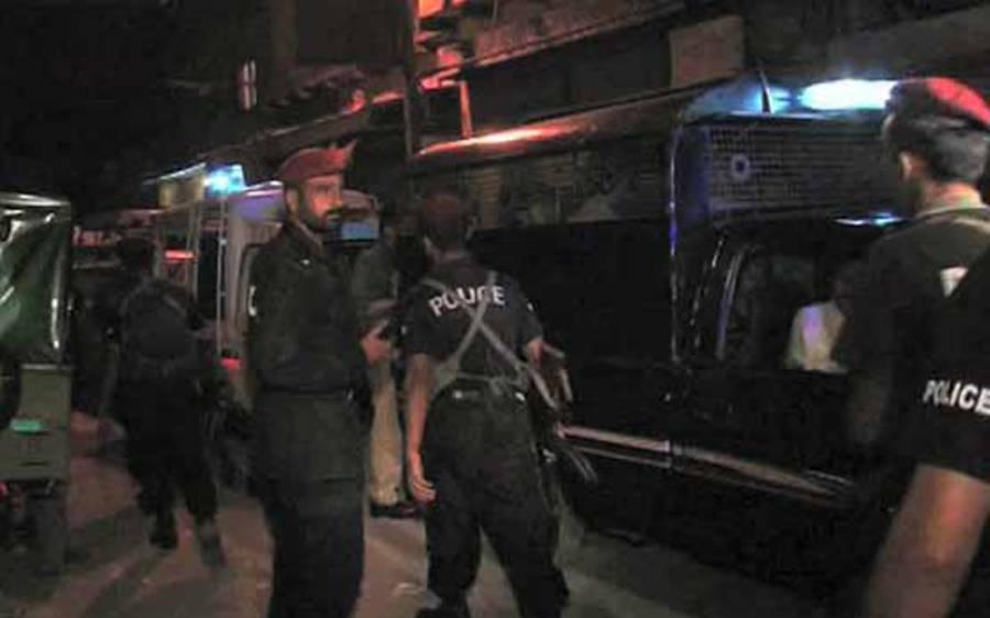 کراچی ڈیفنس کے بڑے بنگلے میں چھاپہ، اندر سے کیا ملا؟ دیکھ کر پولیس والوں کے بھی ہوش اڑ گئے