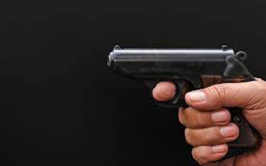 معمولی تلخ کلا می دوست نے دوست کو گولی مار کر ابدی نیند سلا دیا