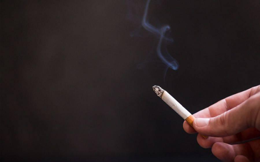 آدمی نے سگریٹ پینا چھوڑ کر 8 سال میں اتنی رقم کما لی کہ اپنا گھر بنانے کے قابل ہوگیا