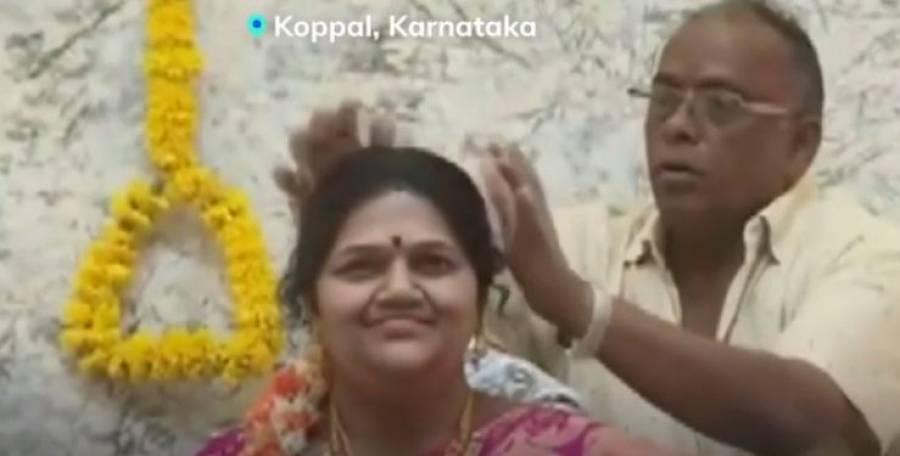 محبت ہوتو ایسی ، بھارتی تاجر نے اپنے نئے گھر میں فوت شدہ بیوی کا مجسمہ بنوا لیا