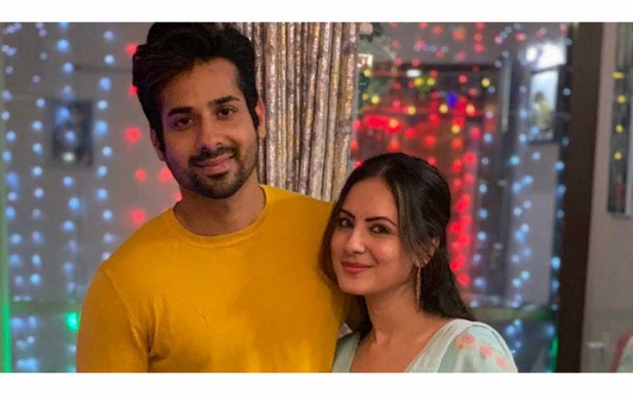 بھارتی اداکارہ نے بچے کی پیدائش کے بعد اپنے شوہر کے ساتھ دوبارہ شادی کا اعلان کر دیا