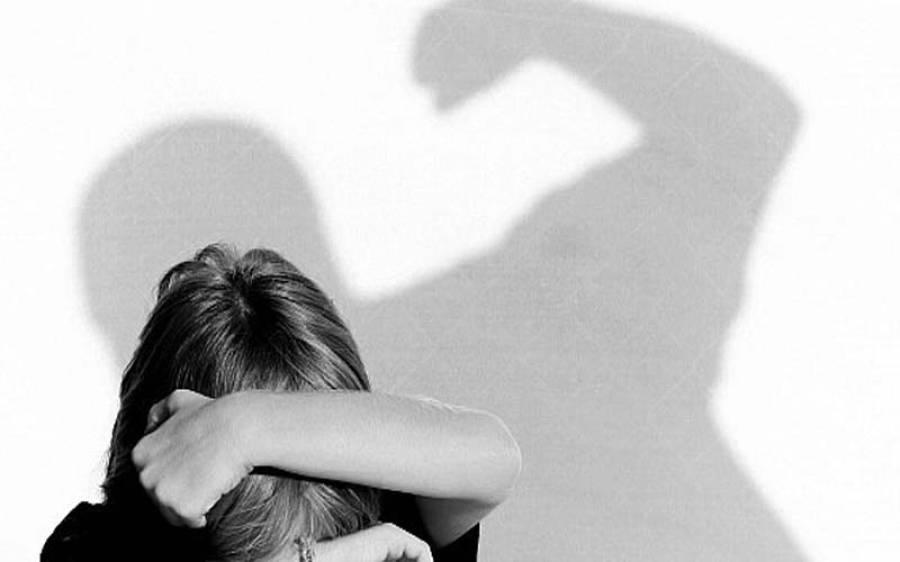 جعلی عامل نے خاتون کو بد ترین تشدد کا نشانہ بنا ڈالا ،حالت غیر ہو گئی